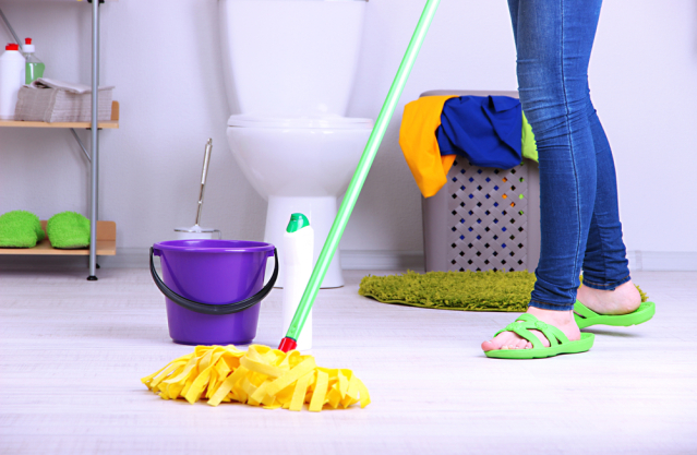 Bathroom-floor-cleaning